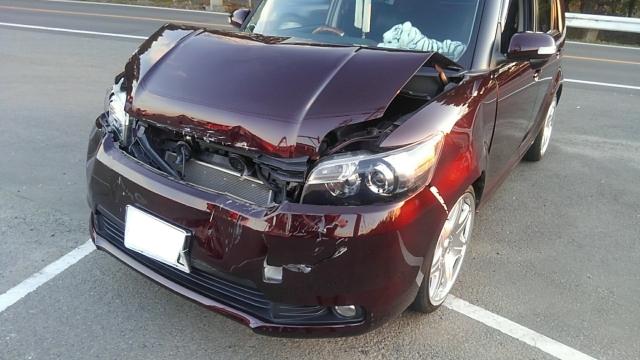 事故現場車